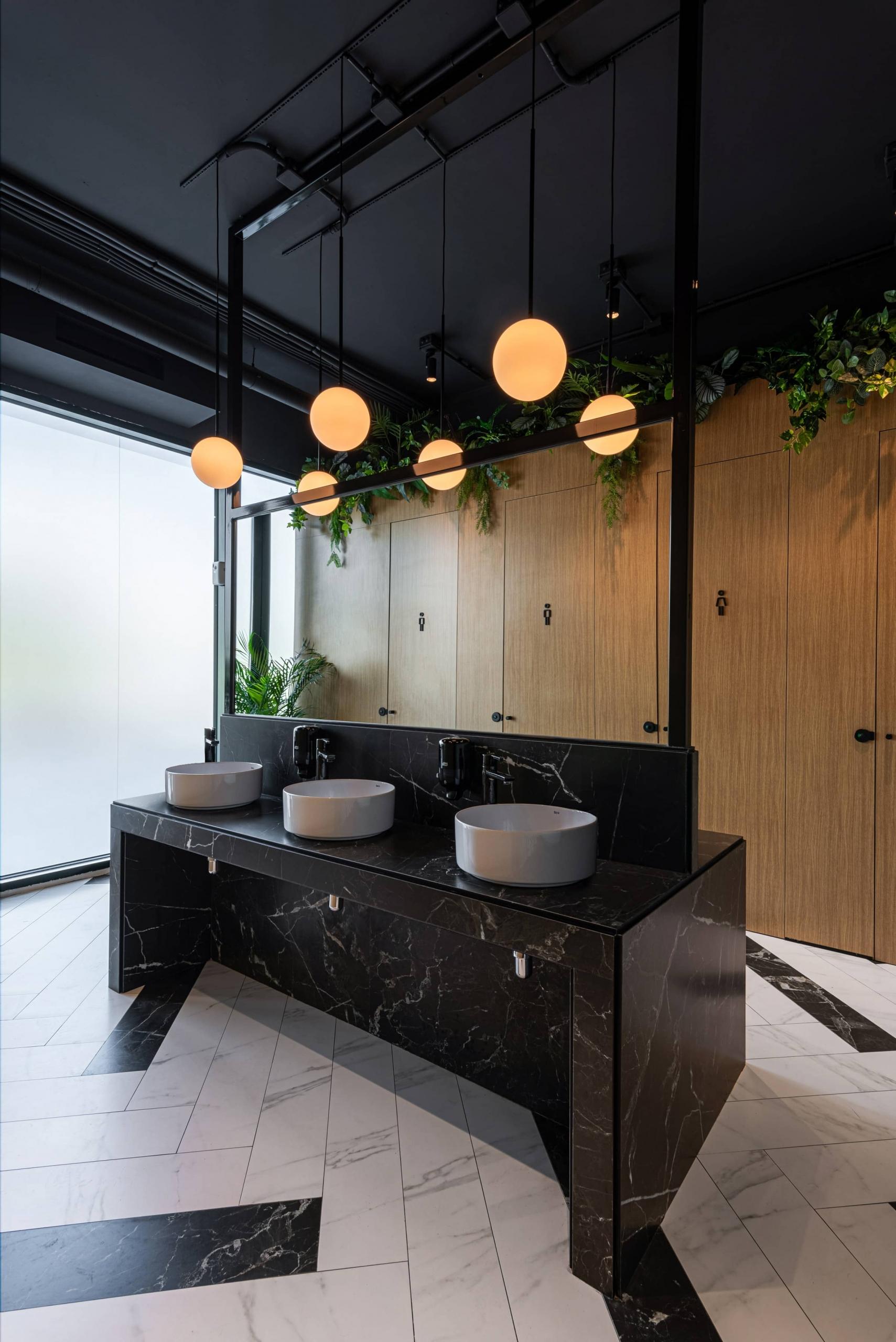 Iluminacion-baño-oficina