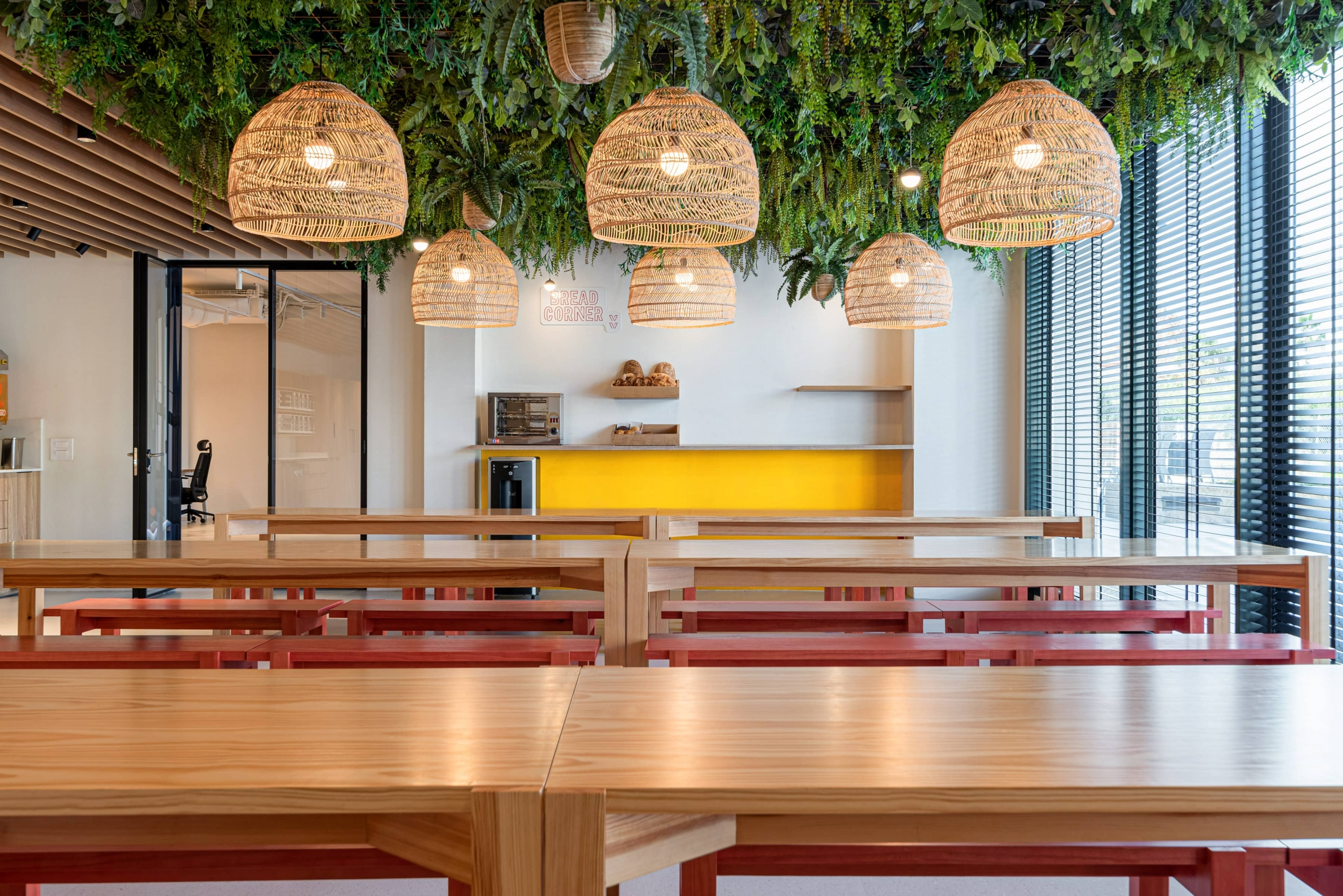 MoltoLuce_iluminacion-cocina-oficina